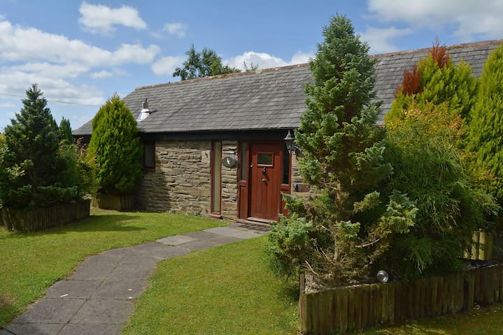 Lovingly restored detached barn with charming features near Looe