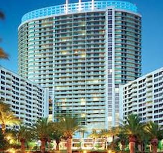 Enjoy Miami Beach at the flamingo - Miami Beach - Lägenhet
