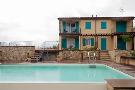 Terra di Siena Room - Guardistallo - Bed & Breakfast