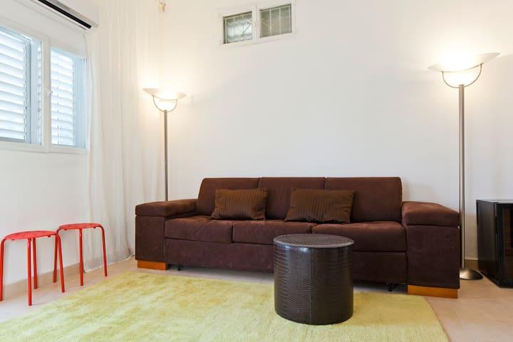 2 BD modern TLV apartment + Balcony - Tel-Aviv-Yafō - Pis