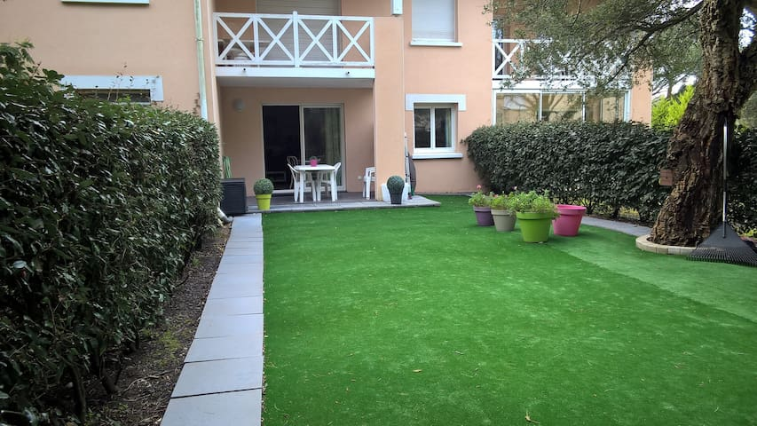 Joli appart avec jardin et parking ( 4 pers) - Capbreton - Appartement en résidence
