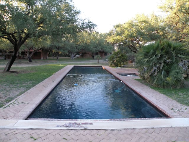 Beautiful Mesquite Bosque Getaway - Tubac