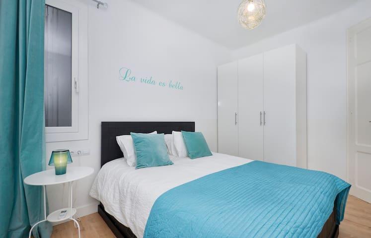 New cozy apartment, Sagrada Familia, city center