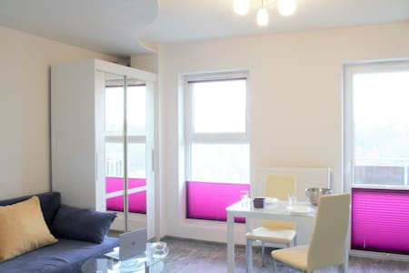 Lovely new studio apartment near Old Town - Kraków - Appartement