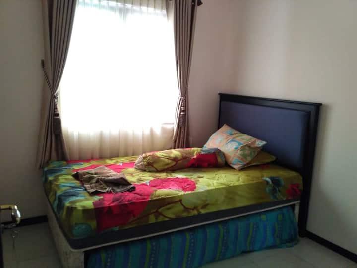Room 90 Kota Magelang