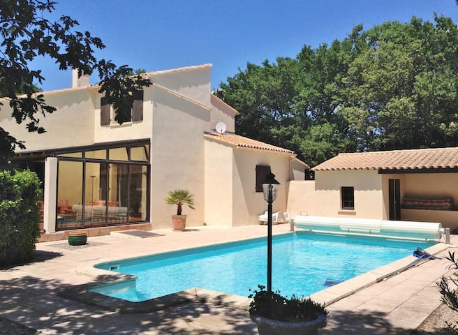 Belle villa provençale de charme - Rochefort-du-Gard - Villa