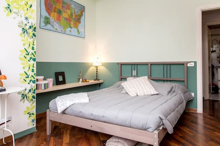 Bright Silent Double Room Near The City Center - Florenz - Wohnung