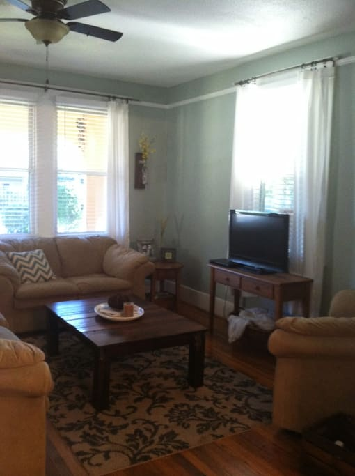 Another view of the Living Room with Cable TV and DVD Player