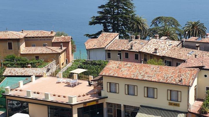 """Casa """"Fiore"""" con terrazza panoramica vista lago"""