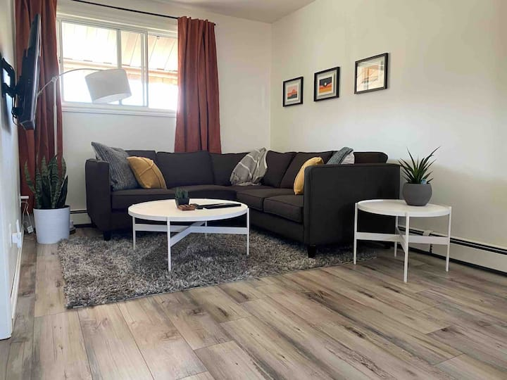Modern & Private 1 Bedroom near Downtown Kitchener