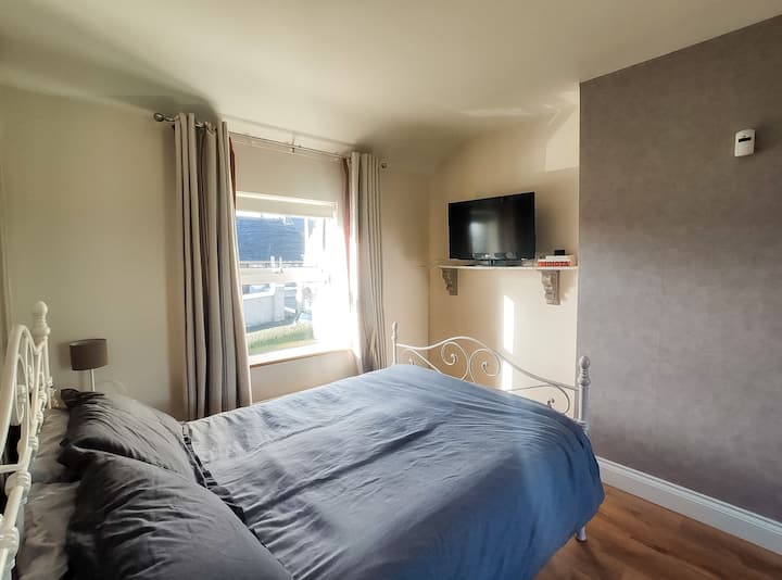 Large and Spacious  Double Room