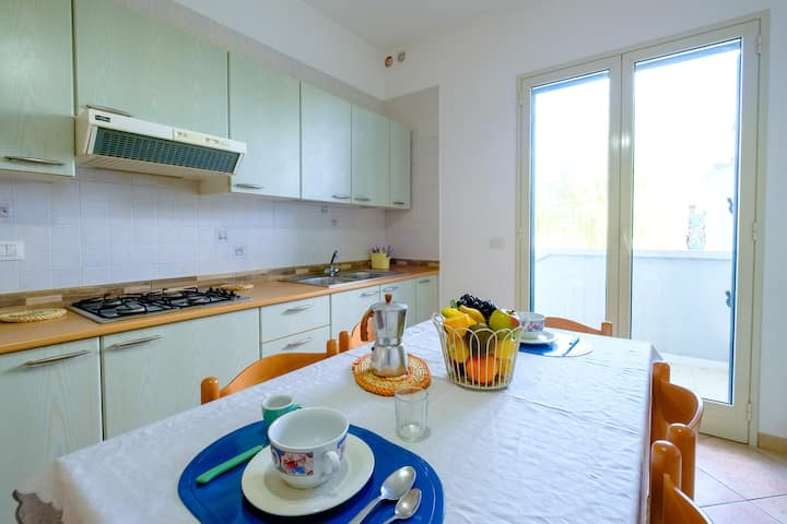 "Cozy Apartment ""Bilocale Adriatico In Zona Lido"" with Terrace & Air Conditioning; Parking Available; Pets Allowed"