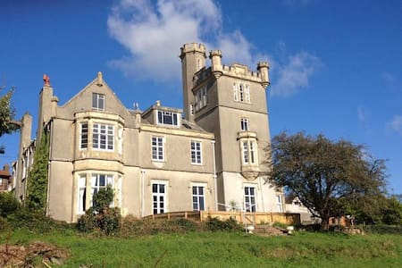 Victorian gothic castle in Devon - Teignmouth