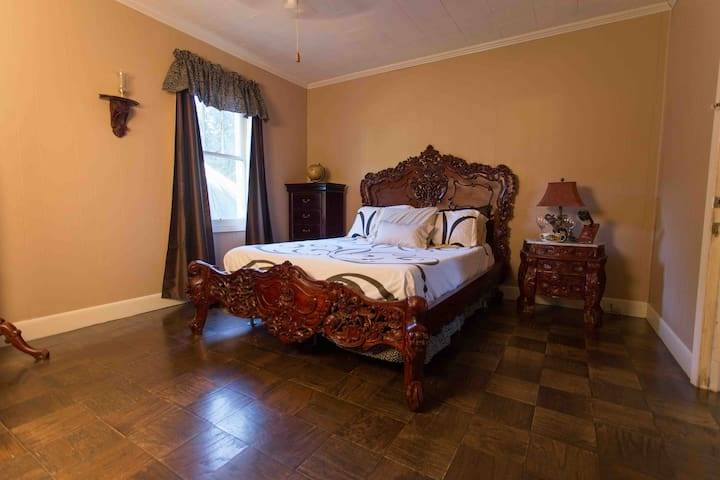Cajun Hostel on the Crest Master Room - Lafayette - Hus