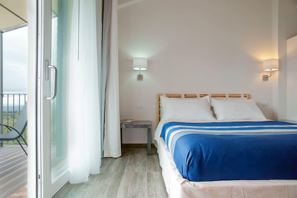 camera / bedroom