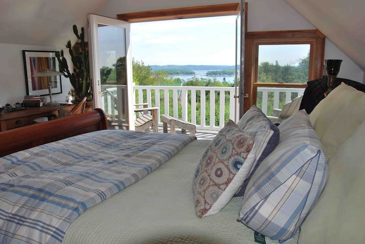 LARGE Coastal Cottage in bucolic seaside village - Castine - Huis