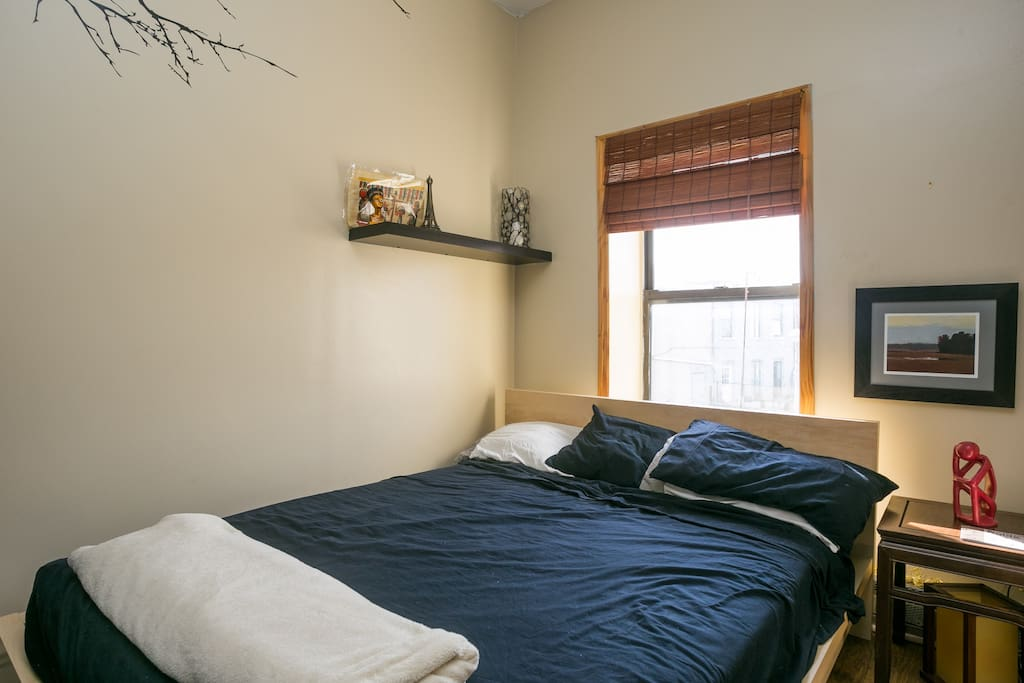 Queen size bed- This is a second bedroom in my apartment.  Please see my other listing if you want a bigger room.