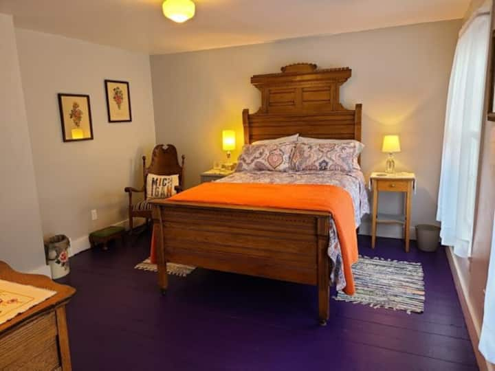 DRAGONFLY COTTAGE (Eagle River, MI) : Charming cottage, Newly listed!! Near Lake Superior, Wi-Fi