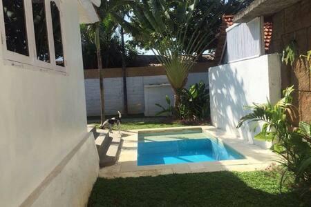 Canggu Beachfront Villa - Villa