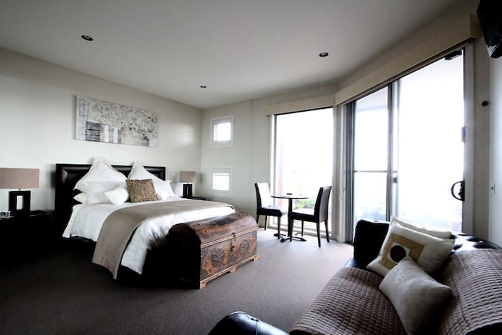 The Seaview Suit With Magical Views - Mornington - Bed & Breakfast