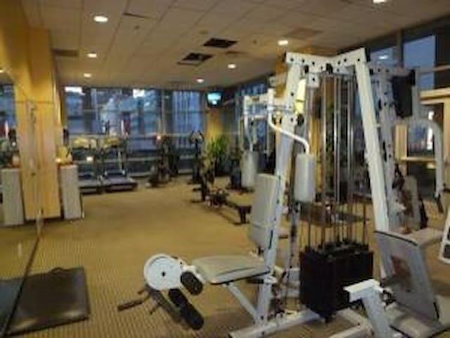 Nice and bright gym- Open 17 hours/day-5AM-10PM for FREE