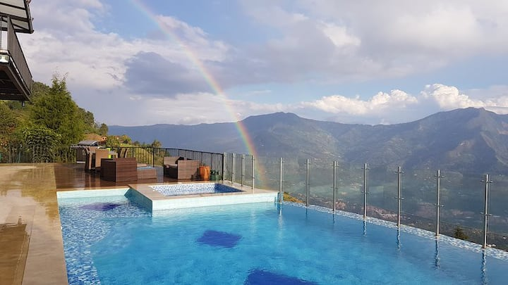 Luxury Finca 3 Diamantes only 20 min from medellin