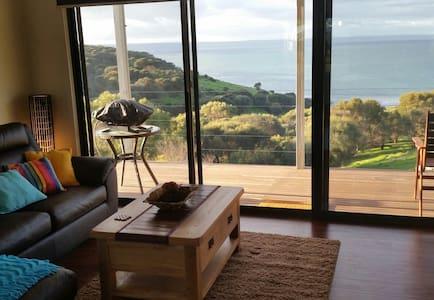 Luxury Eco Villa - Kangaroo Island,