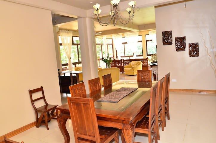 Luxury Sea view Suite By the SEA - Mahe - Oda + Kahvaltı