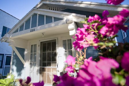 Charming Historic Beach Bungalow #1 - Redondo Beach - Huis