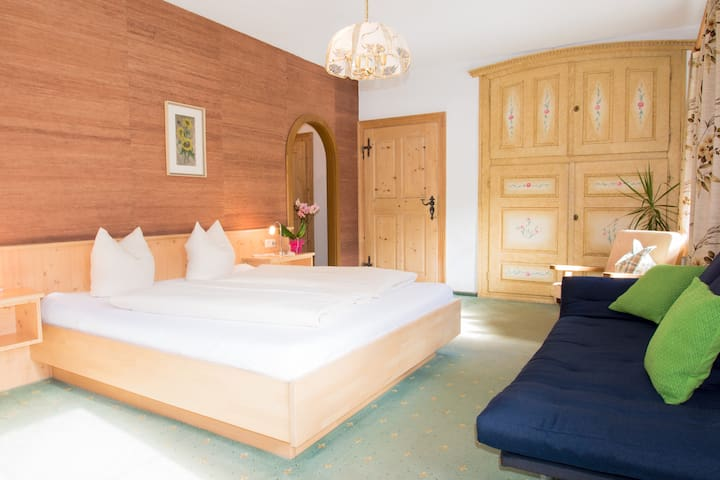 BnB, Doppelzimmer Gästehaus Sonne - Bichlbach - 家庭式旅館