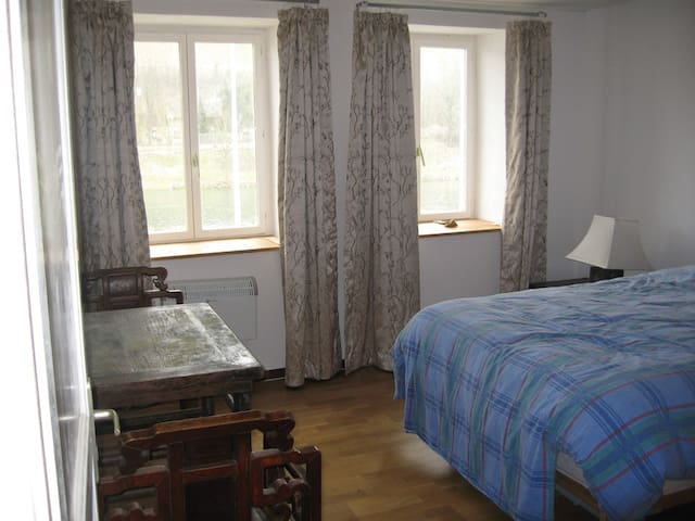 Double room overlooking the Mosel - Wormeldange - Huis