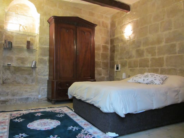 Apartment  5-min walk from Valletta - Floriana - Apartemen