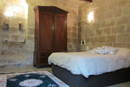 Apartment  5-min walk from Valletta - Huoneisto