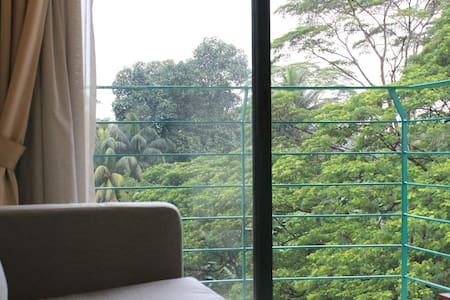 KL 107 Rainforest Resort Studio - Куала-Лумпур - Кондоминиум