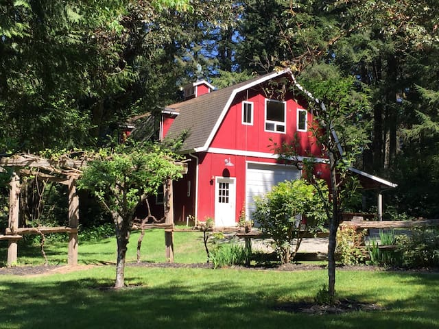 Luxury Barn Stay - Olympia - Inny