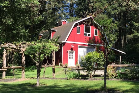 Luxury Barn Stay - Olympia