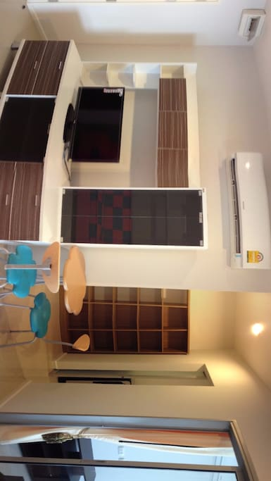 3 rooms ! including living room, kitchen room, and bed room. Free Wifi 24 hours (High speed internet)