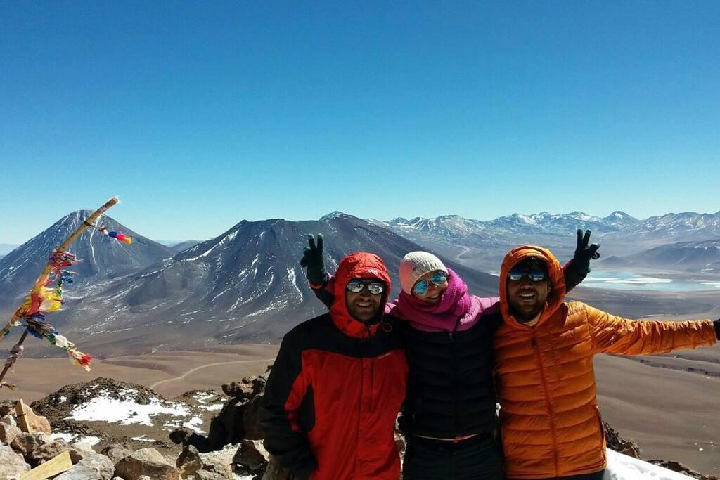 Climbing Toco volcano 5.604 m