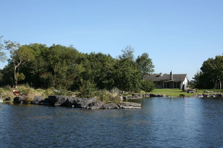 On the shores of Lough Corrib - Cross - House