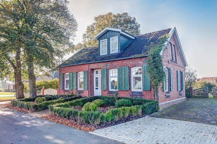 KAPITÄNHUS Ostfriesland Ferienhus D - Ostrhauderfehn - Casa