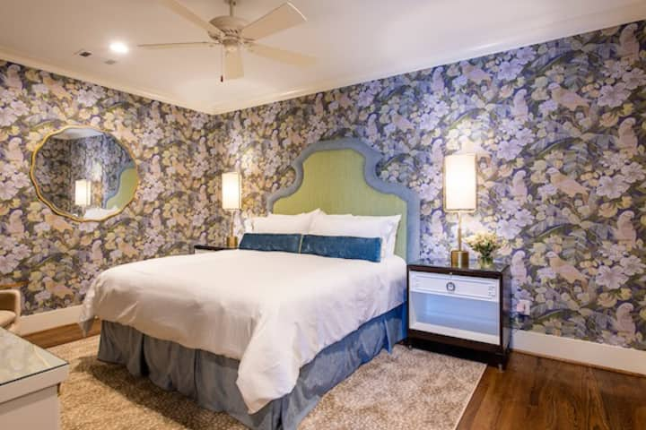 The Mulligan-Luxury Suite in Downtown Aiken