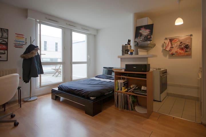 Agréable studio meublé + belle terrasse - Rouen - Byt