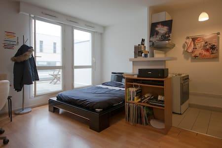 Agréable studio meublé + belle terrasse - Rouen
