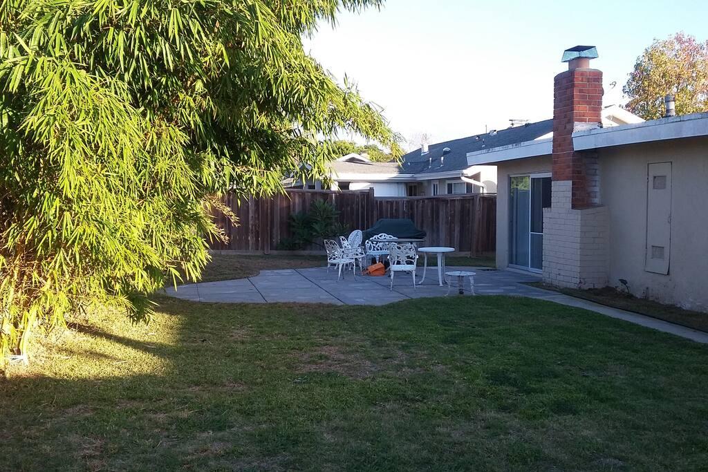 Nice backyard to enjoy the beautiful weather