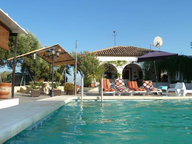 Villa near Seville, Andalusia - La Puebla de Cazalla - Villa