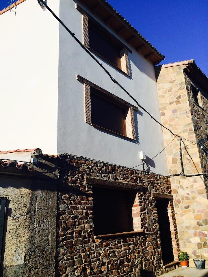 Casa 3 plantas en Castejon Tornos