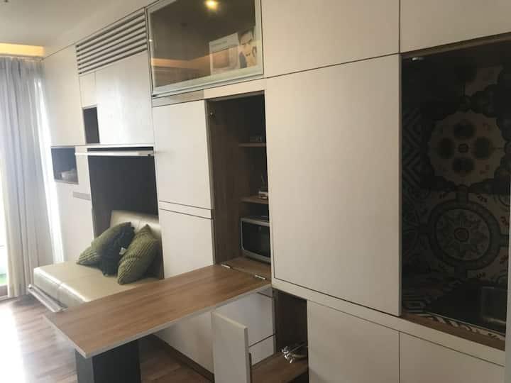 Cinere Bellevue Apartement + 2BR + great view