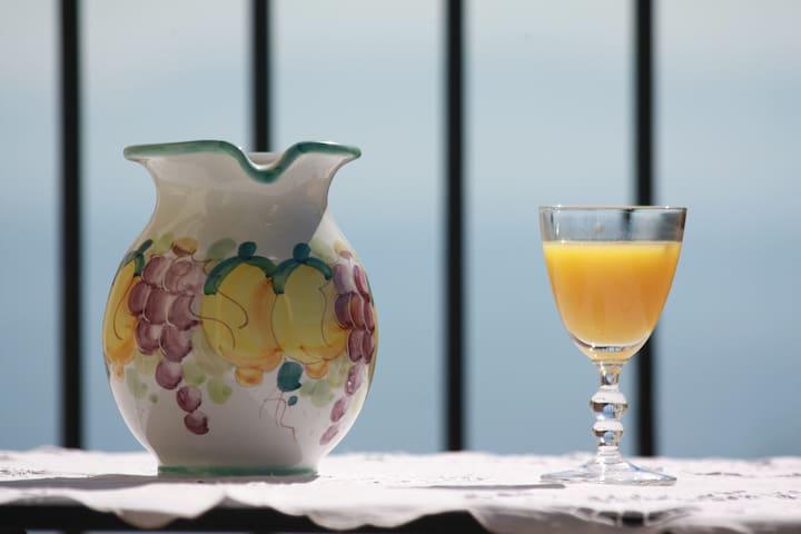 Casetta-Belvedere Dimora di charme con vista mare - Neapol - Dům