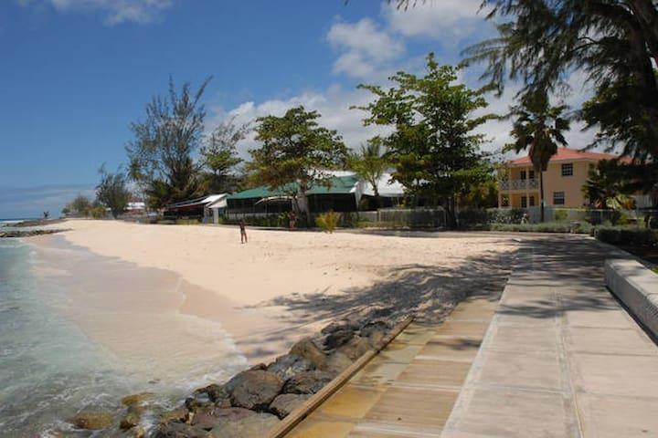 Healthy Horizons Beach Apt # 1 - Christ Church  - Apartemen