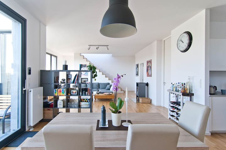 Central 108sqm penthouse w. fireplace and terrace - Berlin - Loft